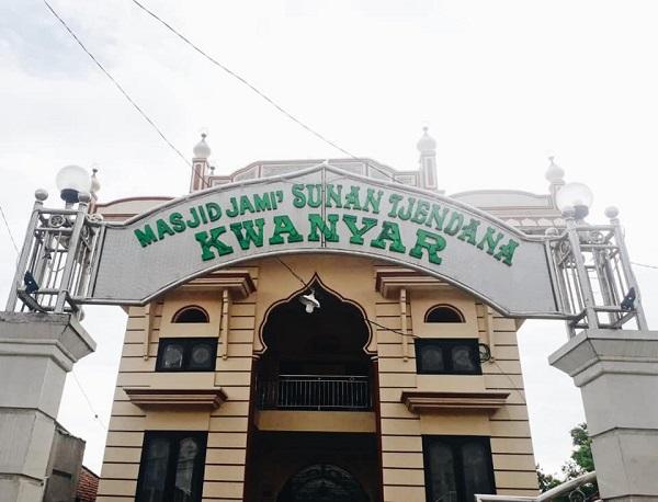 Masjid Sunan Cendana via Laduni