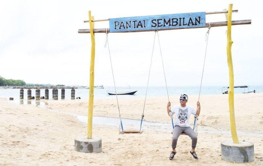 Pantai Sembilan via IG @hairul_rosikin