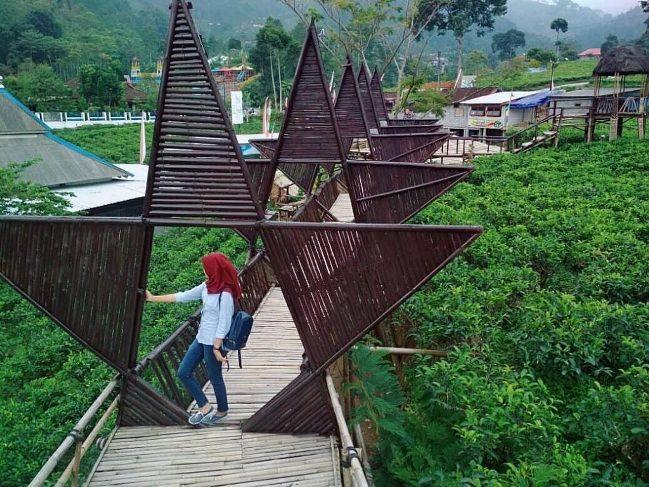 Taman Bintang via explorekabkaranganyar