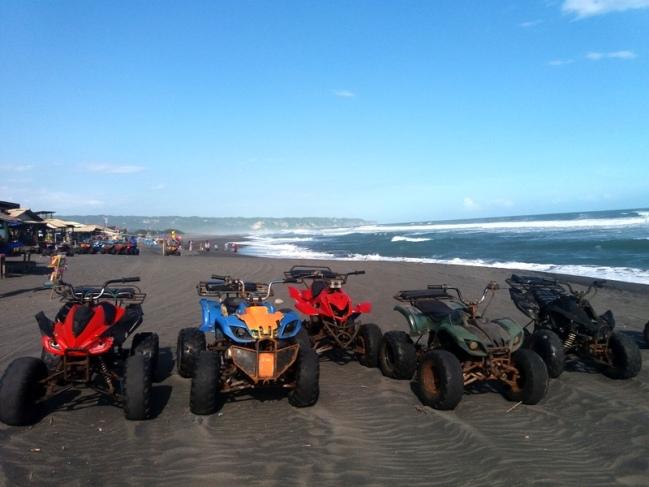 ATV untuk Mengelilingi Pantai