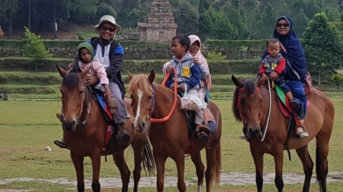 Berkuda via Ngangsukarwuh