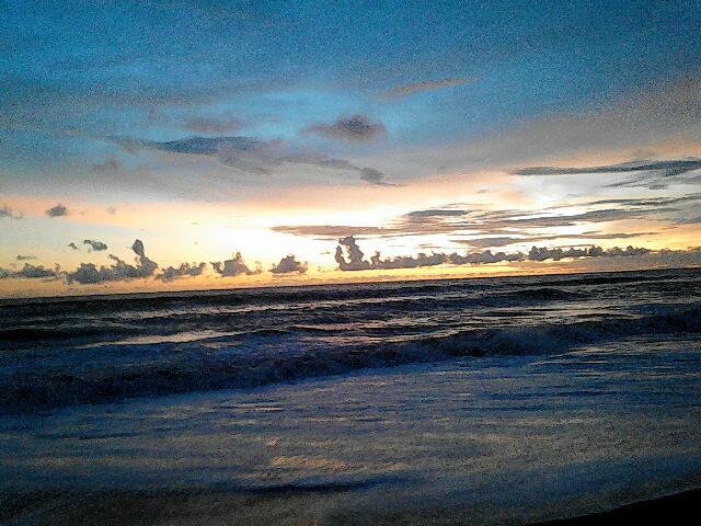 Keindahan Susnet Pantai Baru via Pantaibaru.wordpresscom