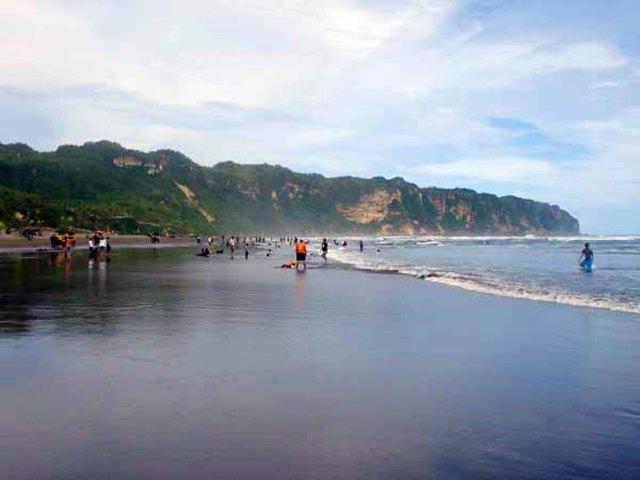 Liburan Seru ke Pantai Parangkusumo Bantul