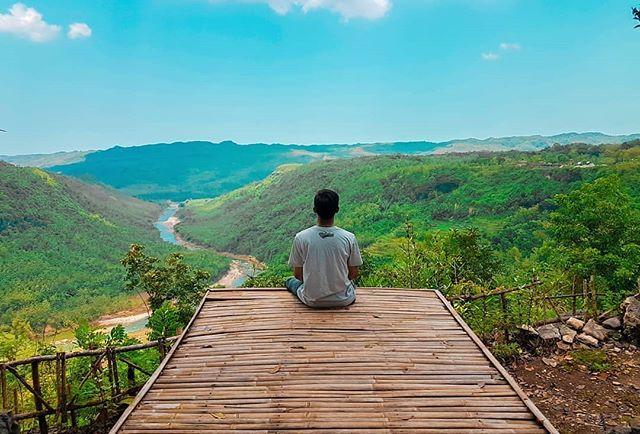 Menikmati Pemandangan di Jatisari Ecopark Dlingo