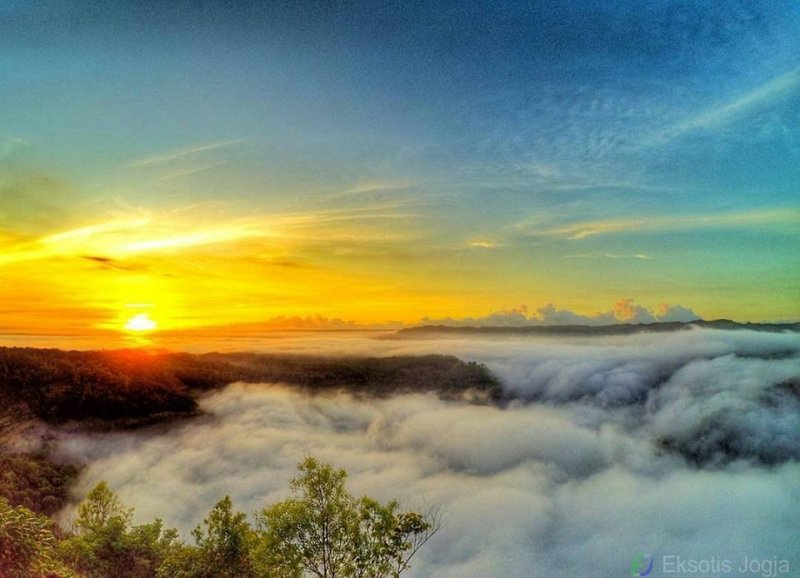 Menyaksikan Sunrise via eksotis Jogja