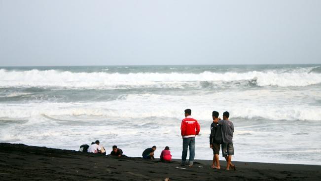 Suasana Pantai