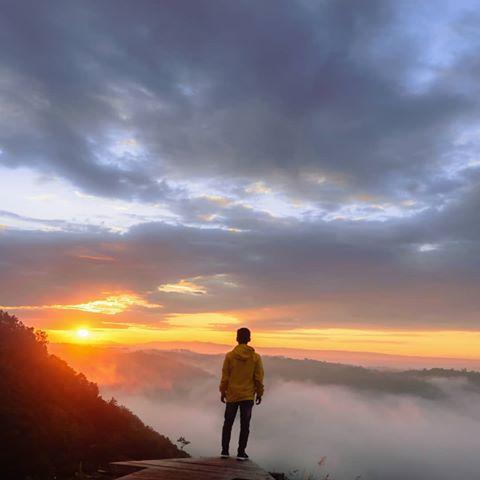 Sunrise di Ekowisata Jatisari Seropan via Stalkrnet