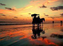 Sunset di Pantai Parangtritis via Alodiatour