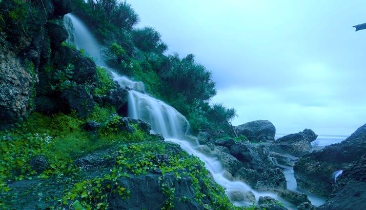 Air Terjun Pantai Parang Endog via Dolan-dolannet