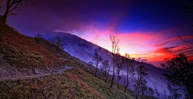 Keindahan Kawah Ijen via Banyuwangibagus