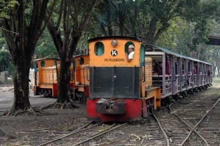 Keliling dengan Kereta via yogyapedia
