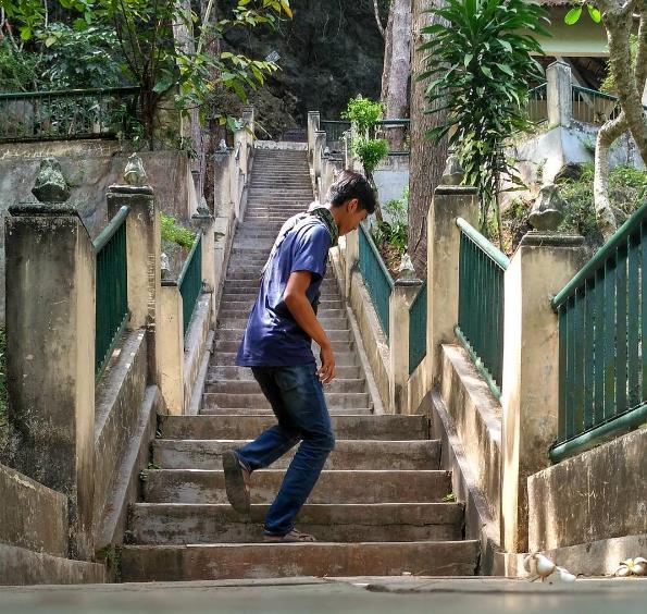 Tangga Menuju Goa Selarong via IG @aghostri