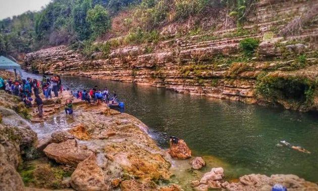 Aktivitas Seru di Sungai Oya via IG @rizal_ananda11