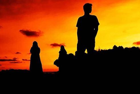 Berburu Sunset via IG @farismusthofa_