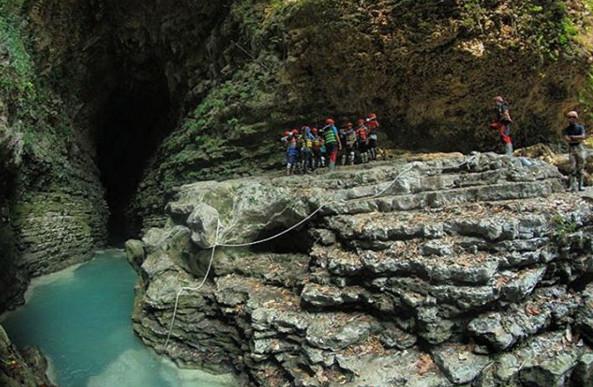 Cave Tubing di Goa Kalisuci via IG @aminrahmad