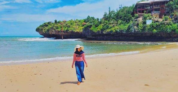 Keindahan Objek Wisata Pantai Gesing yang Menawan via IG @raraira_