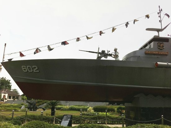 Koleksi Kapal Perang via Tripadvisor