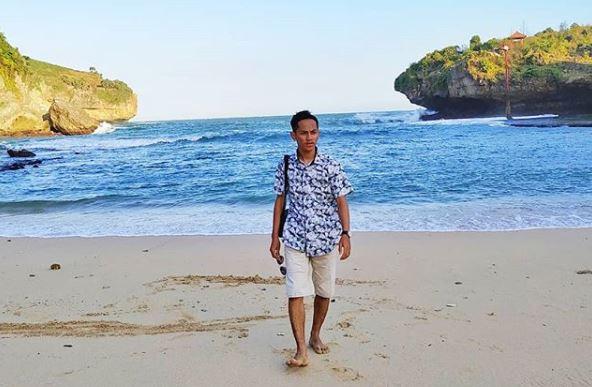 Liburan ke Pantai Gesing via IG @rekasatya13