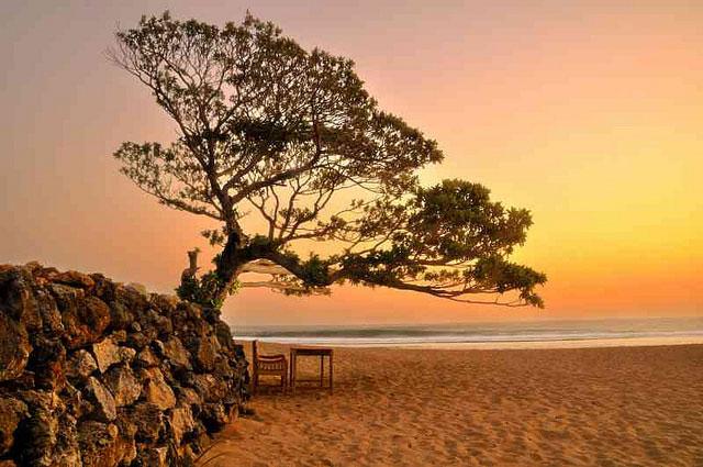 Menyaksikan Keindahan Sunset Pantai