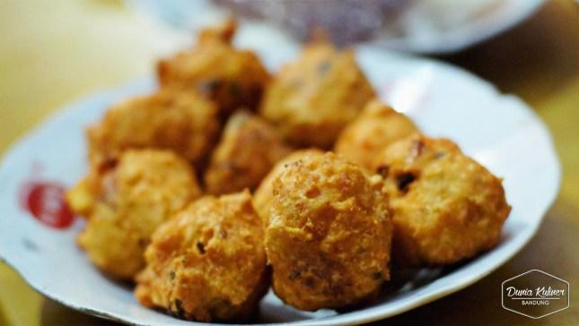 Perkedel Bondon via Dunia Kuliner Bandung