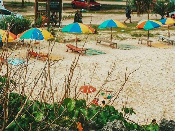 Santuy di Pantai Krakal via Ig @tinieazzah