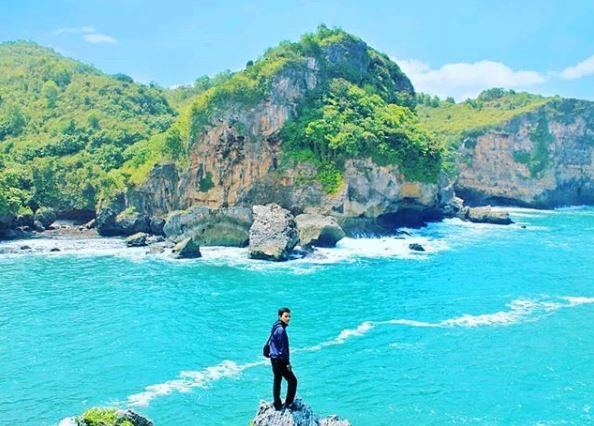 Spot Foto dari Tebing di Pantai Gesing via IG @anto_hariyanto