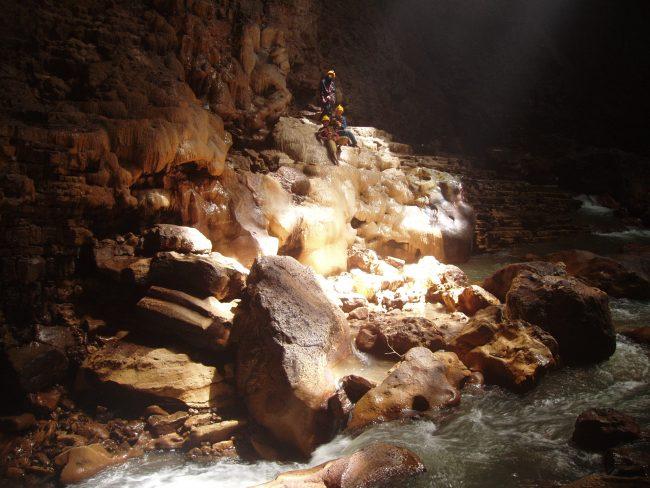 Sungai Bawah Tanah Goa Jomblang