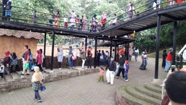 Wisatawan Padati Bandung Zoo via RRI