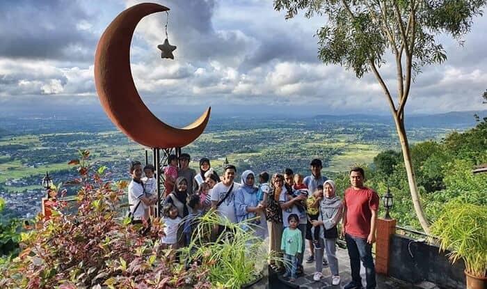 Bukit Bintang Siang Hari via IG @riri_setiowati