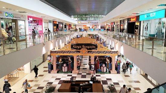 Cihampelas Walk Shopping via Tripadvisor