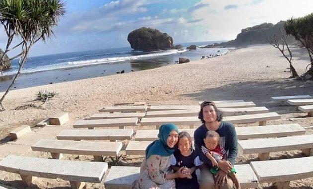 Destinasi Wisata Keluarga Jungwok beach via IG @Dedyahkh