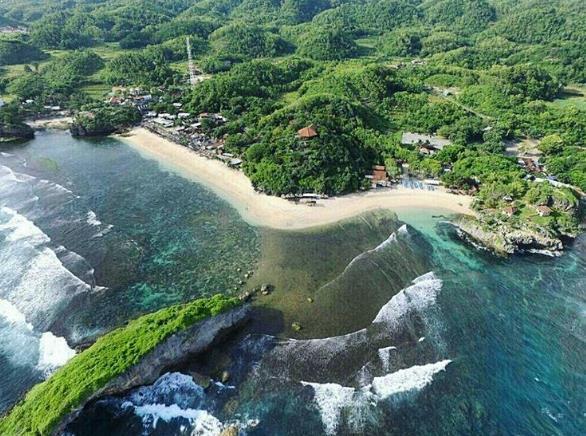 Foto Pantai Ngandong dari Drone via IG @ngandongsurf