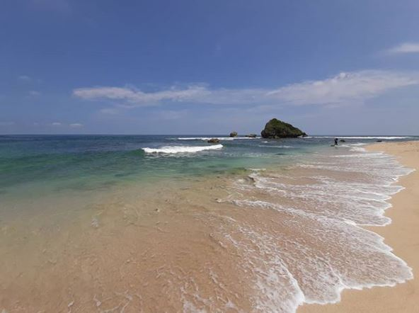Keindahan Pantai Ngandong via IG @arelee_w.o.w