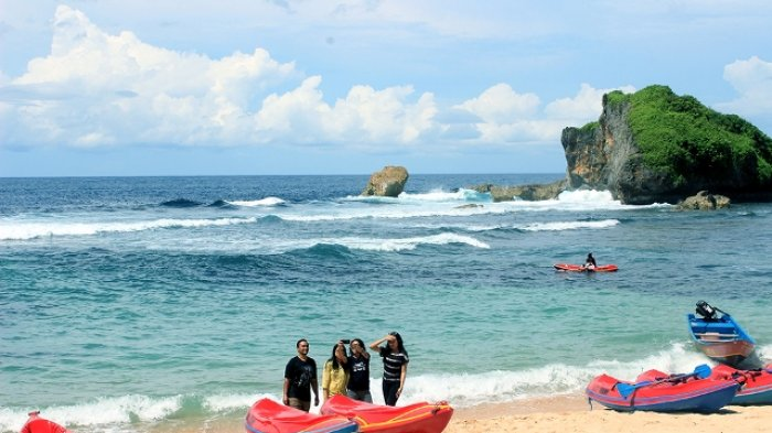 Main Kano di Ngandong Beach via Tribunnews