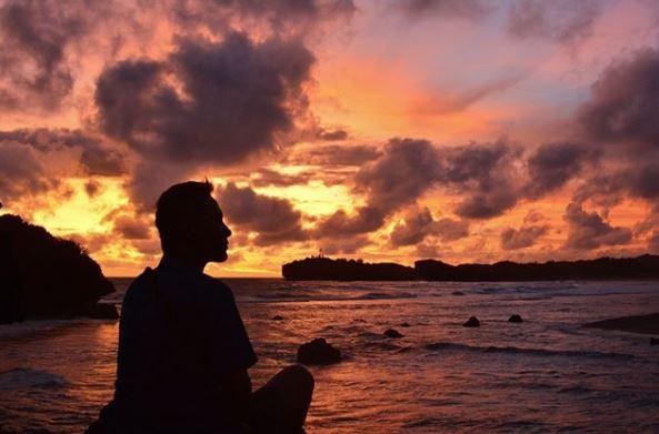 Sunset Nan Eksotis di Ngandong Beach via IG @sasisaskia