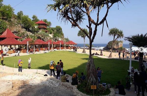Wisata di Kukup Beach via IG @ihsanvianisty