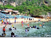Berenang di Pantai Ngrenehan via Dimassuyatno