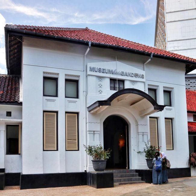 Gedung Peninggalan Belanda via IG @museumkotabandung