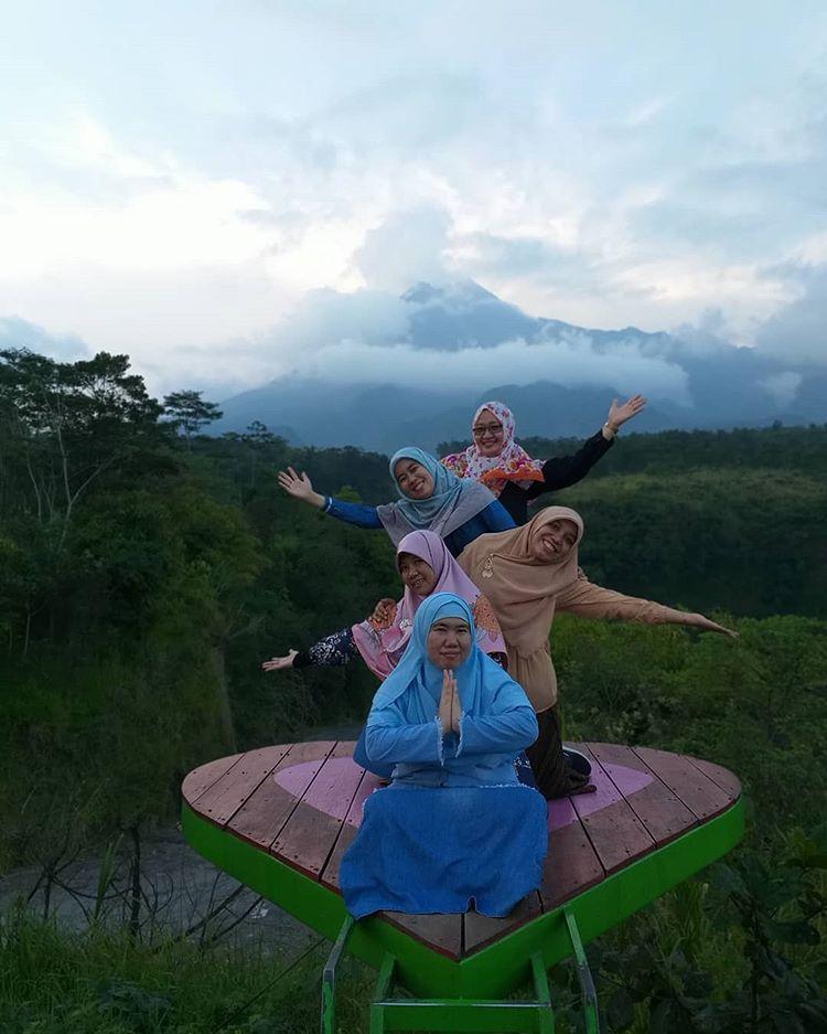 Menikmati Pemandangan Alam via IG @gerbang_adventure