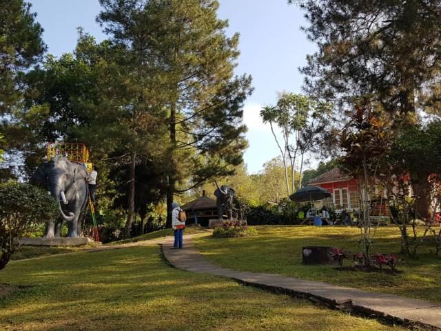Pemandangan Hijau dan Asri di sekitar area taman Foto Gmap Hanung Adi Nugroho