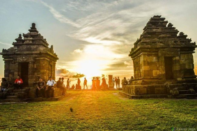Sunset di Candi Ijo via Alodiatour