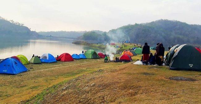 Camping Seru di Waduk Sermo via IG @Ganjar_winarno