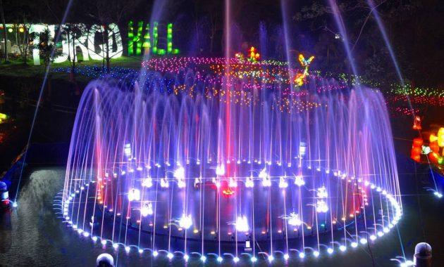 Dancing Fame Fountain Show via IG @rahmaluphe