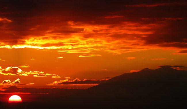 Menikmati Indahnya Sunset