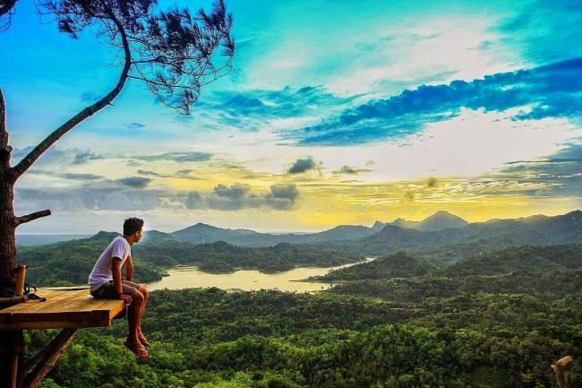 Menyaksikan Sunrise via IG @sayogatravtourjogjaindo