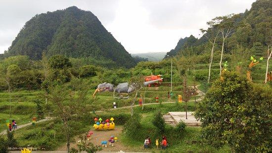 Pemandangan Sore Hari Taman Gardu Pandang via Tripadvisor