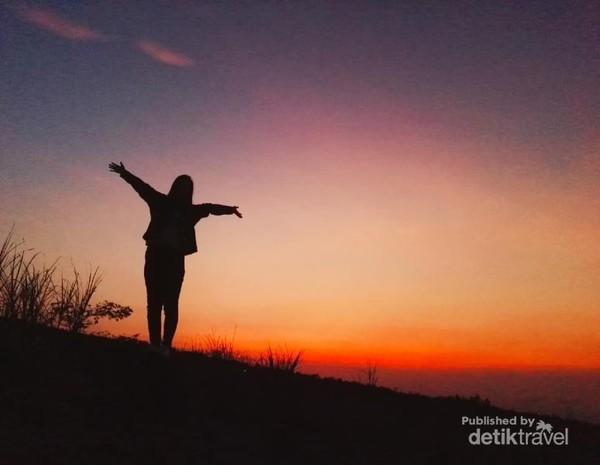 Sunrise Batu Alien via Detik Travel