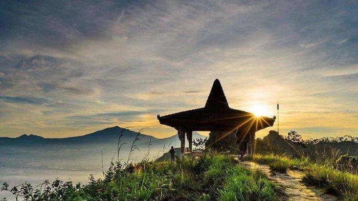 Sunrise di Puncak Suroloyo