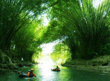 Susur Sungai Sambil Menikmati Pemandangan Asri