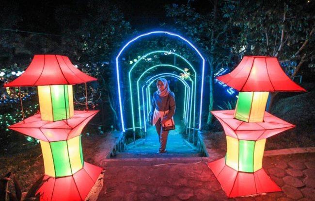 Taman Lampion Gardu Pandang Kaliurang via IG @chandraant